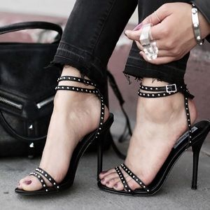 Steve Madden Wish Black Strappy Heeled Sandal